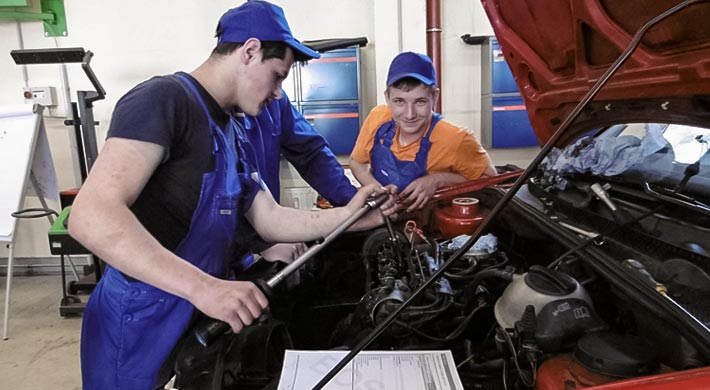 Training: disassembly and assembly of motors