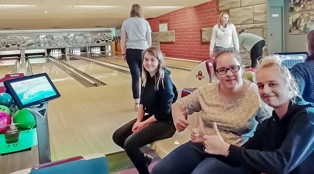 Group picture of Polish students at the Bowling Centre